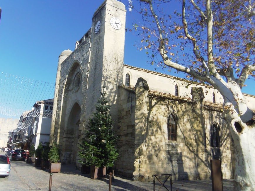 Aigues Mortes  14  Eglise ND des Sablons