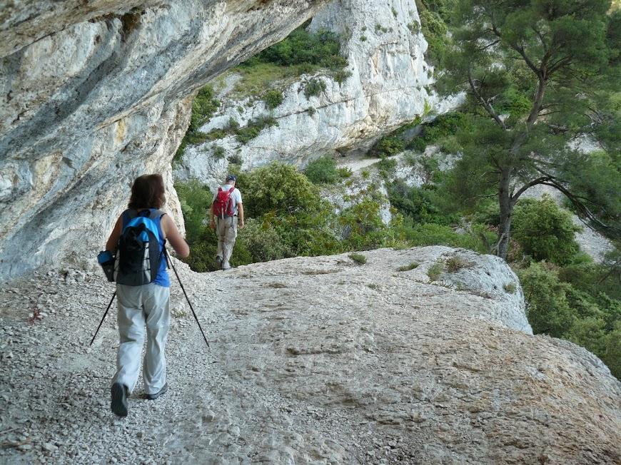 Luberon-Robion-Sommet du Castellas -Maubec 13
