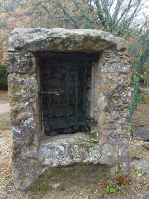 La Roquette-Tête de Buisses- Le Trou du Rat un puits