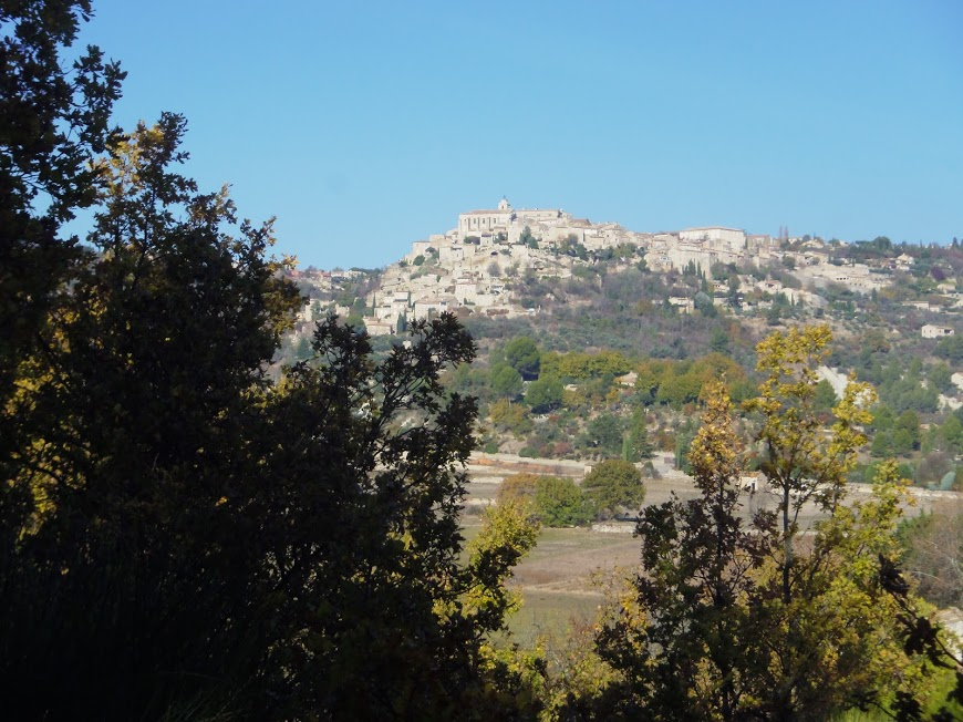 Luberon: Saint Pantaleon le village de Gordes