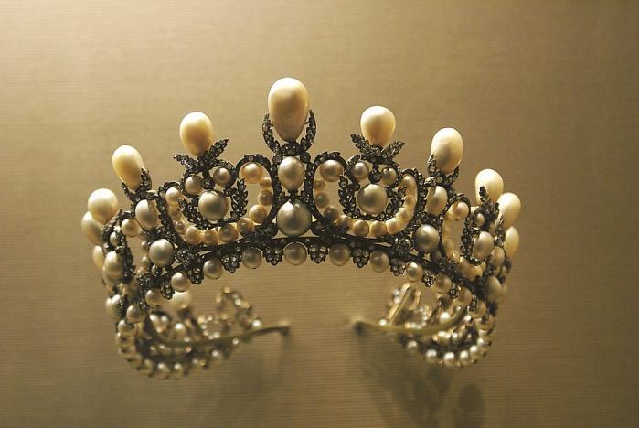 Crown 1049927 960 720