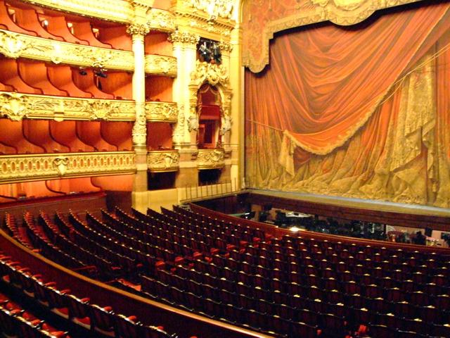 Atelier th tre utd salon de provence for Cinema salon de provence