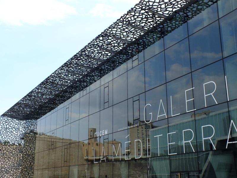 La galerie de la Méditerranée:entrée du Mucem