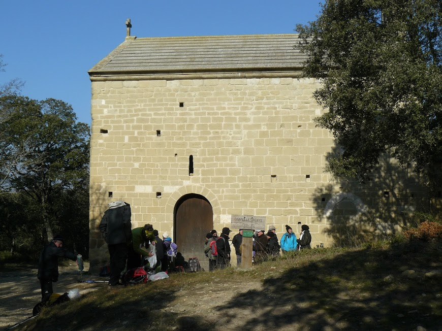 Eyguieres Cales chateau Reine Jeanne  4