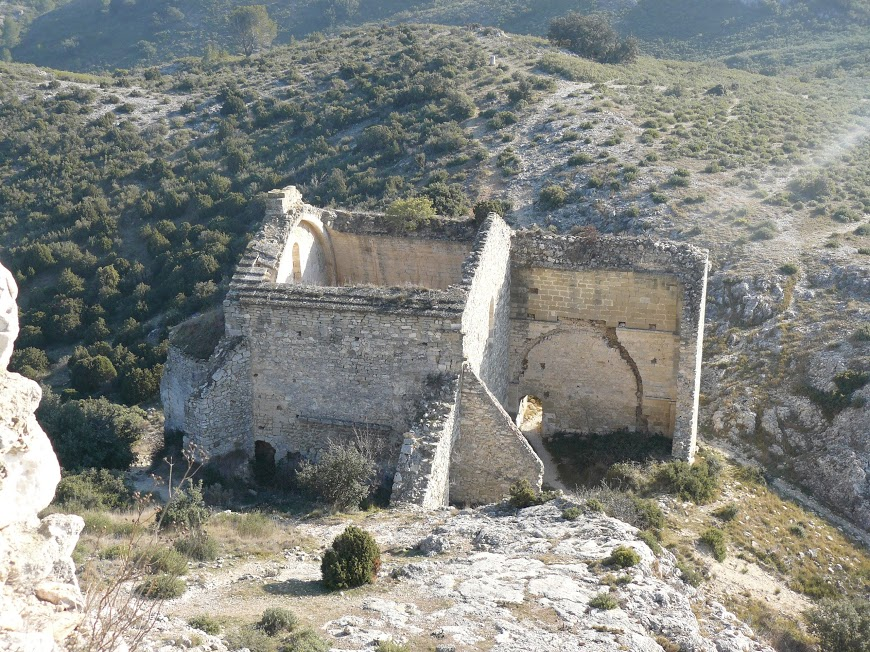 Eyguieres Cales chateau Reine Jeanne  14