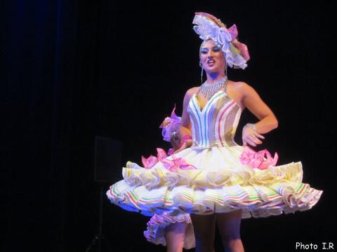 Une danseuse originale à l'espace Ch Trenet