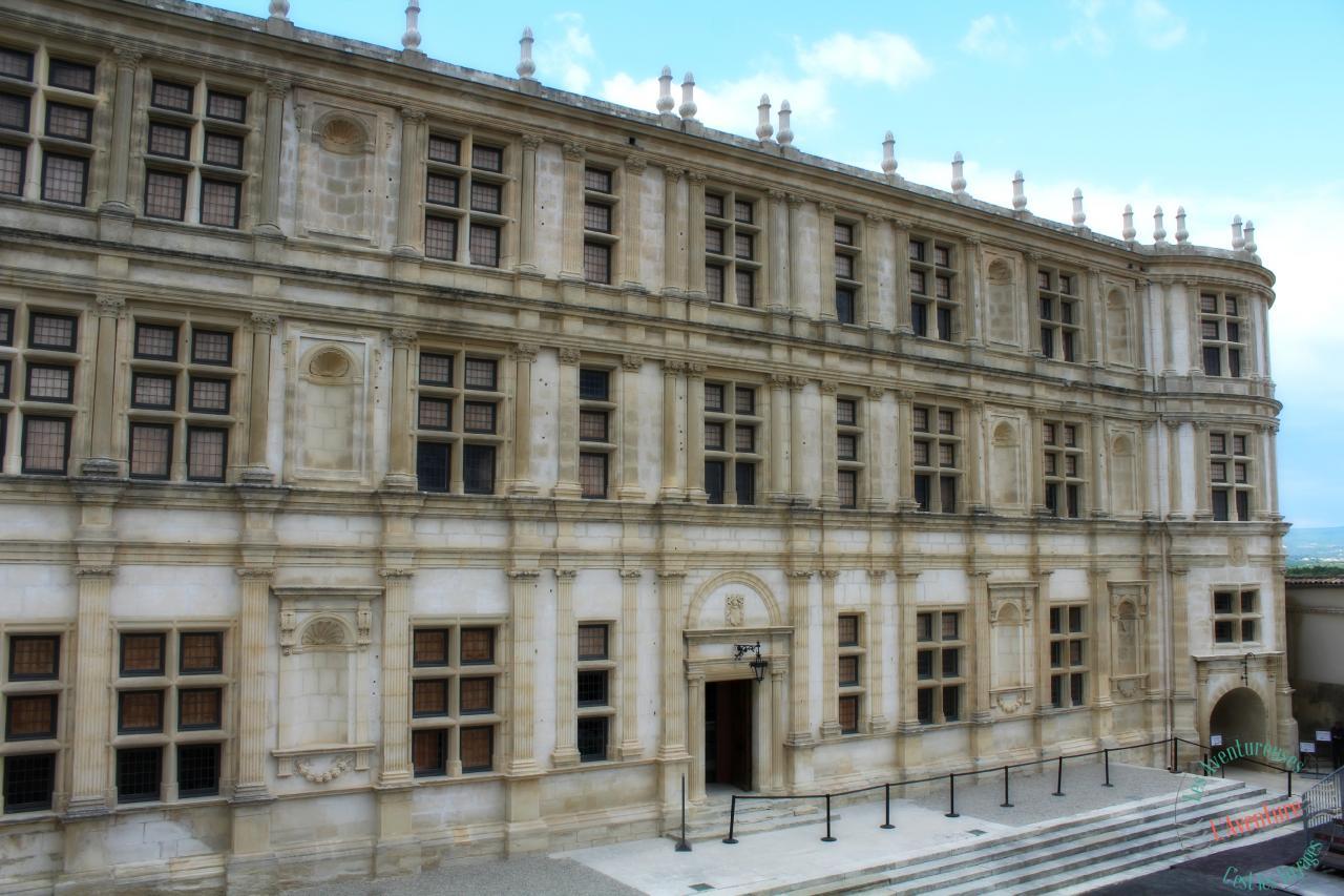 Fascade Chateau Grignan