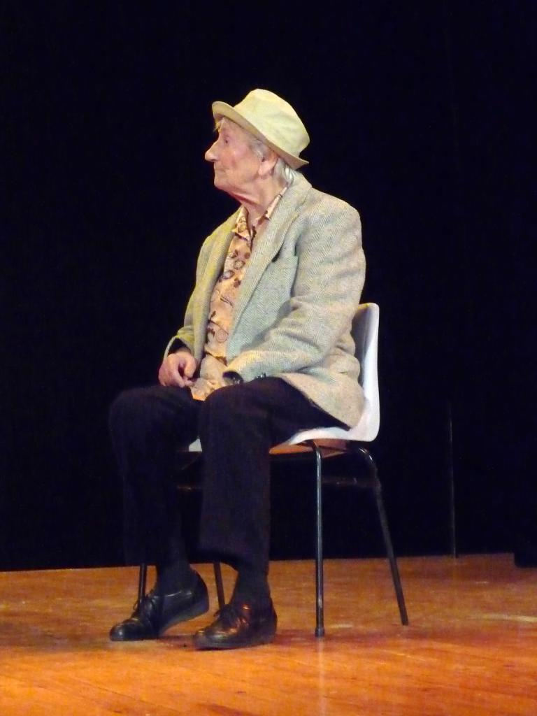 Le pt Théâtre fait son casting :  Heureux (Fernand Raynaud)