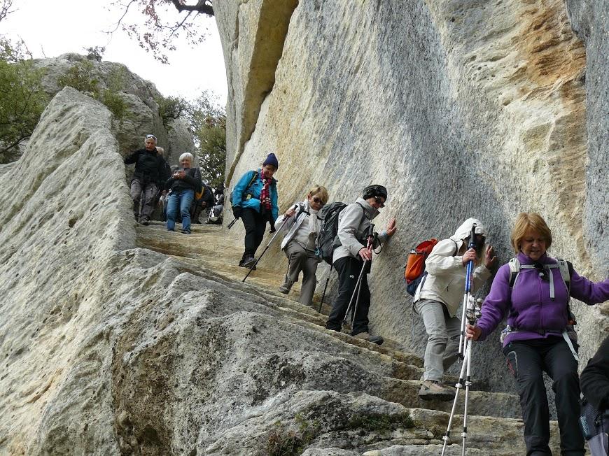 Luberon: Pas du Renard-Sivergues-Fort de Buoux 13