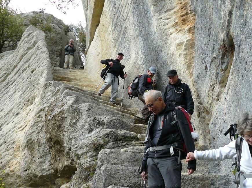 Luberon : Pas du Renard-Sivergues-Fort de Buoux 17