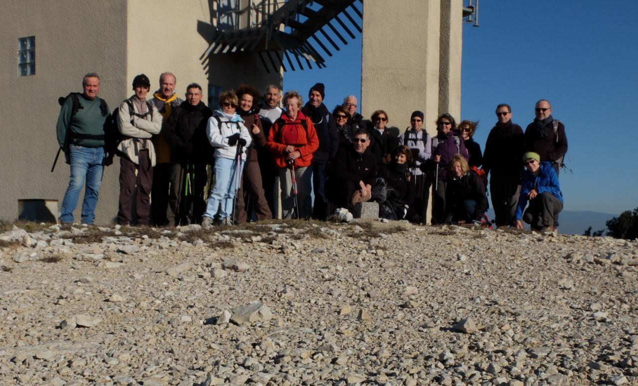 Le groupe à la Tour de guet St Remy Décembre
